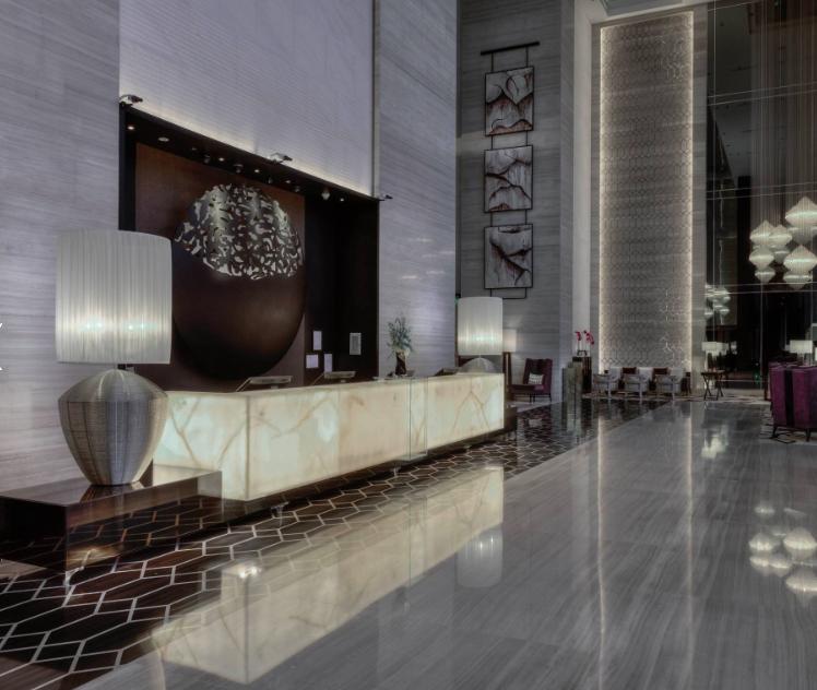 Die Lobby des Steigenberger Dubai