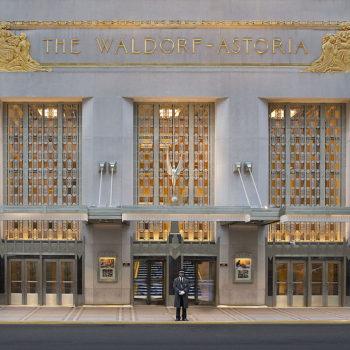 1280px-Waldorf_Astoria_New_York_-_Park_Avenue_Entrance