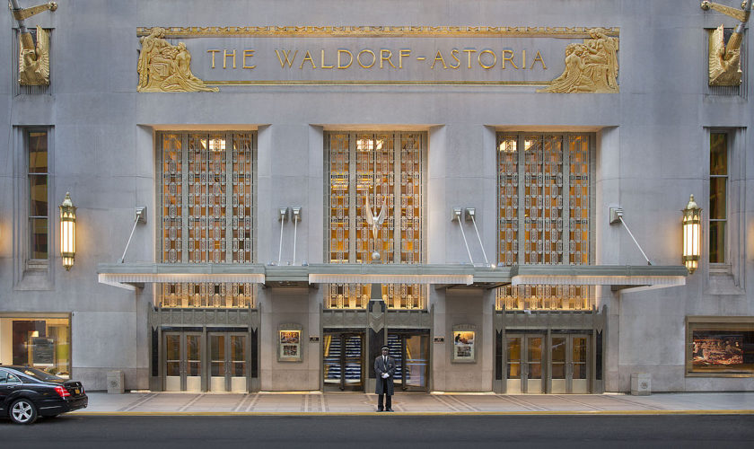 1280px-Waldorf_Astoria_New_York_-_Park_Avenue_Entrance