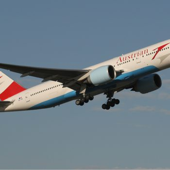 Austrian_Airlines_Boeing_777-200ER_MEL_Monty