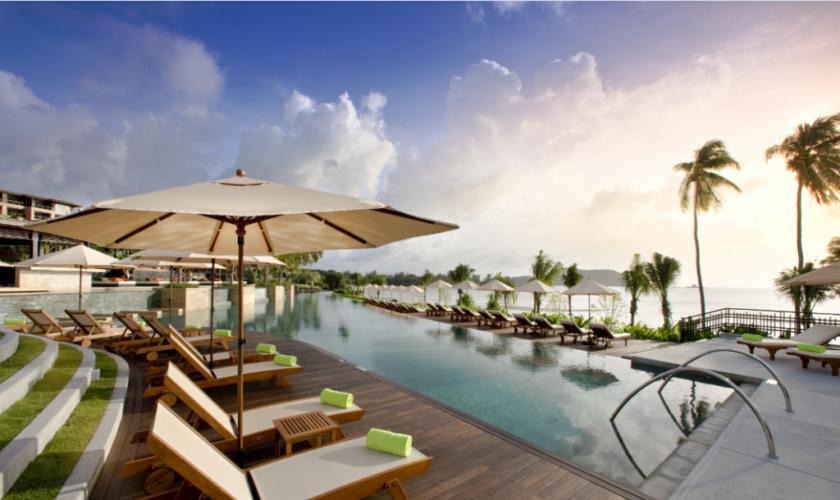 Radisson-Blu-Plaza-Resort-Phuket-Panwa-Beach-1024×682