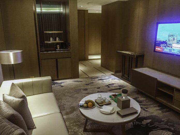 Wohnbereich der Deluxe Suite im Wyndham Grand Royal Palace Xiamen