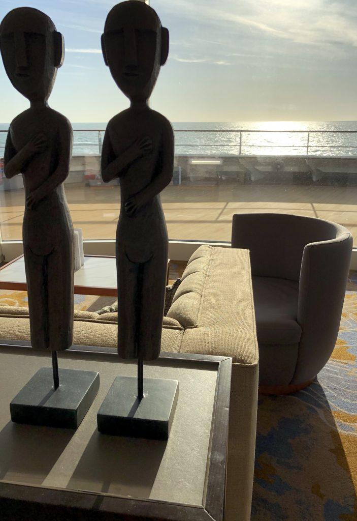 Meerblick Explorer Lounge von nicko cruises