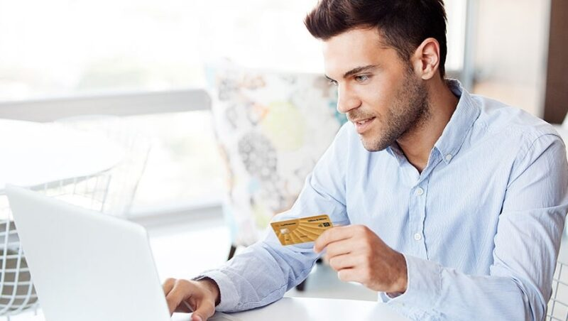 Bei der Buchung die Miles and More Gold Credit Card benutzen